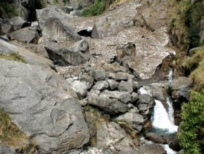 Dharmkot waterfall, trekking in India